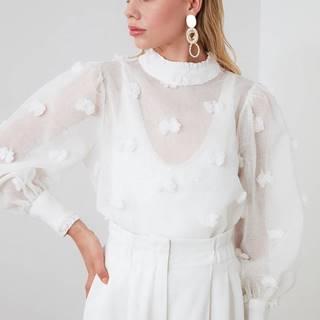 Biela priesvitná blúzka Trendyol