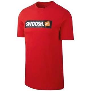 Tričká s krátkym rukávom Nike  Tee Swoosh