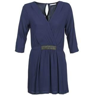 Krátke šaty Betty London  DUSTY