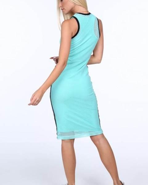 Svetlozelené dámske šaty v športovom štýle