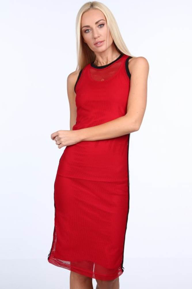 Červené dámske šaty v šport...