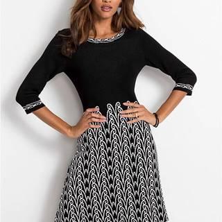 Pletené šaty so vzorom