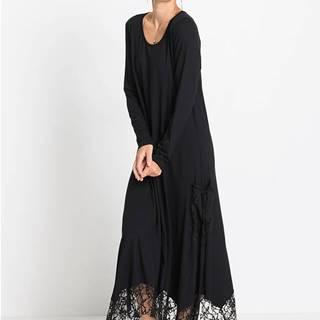 Úpletové šaty s vreckom