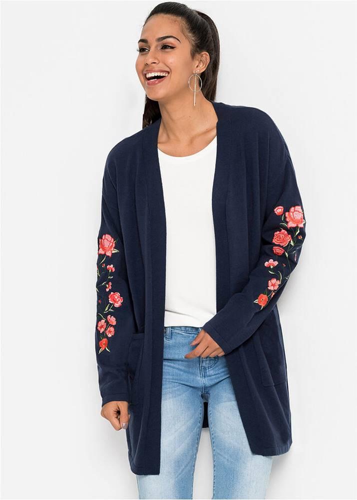 Pletený sveter s výšivkou