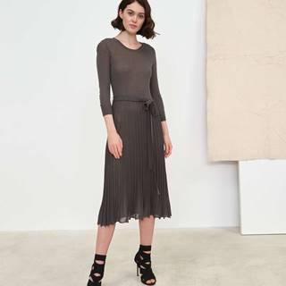 Dámske pletené šaty sefektom plisé  zelená