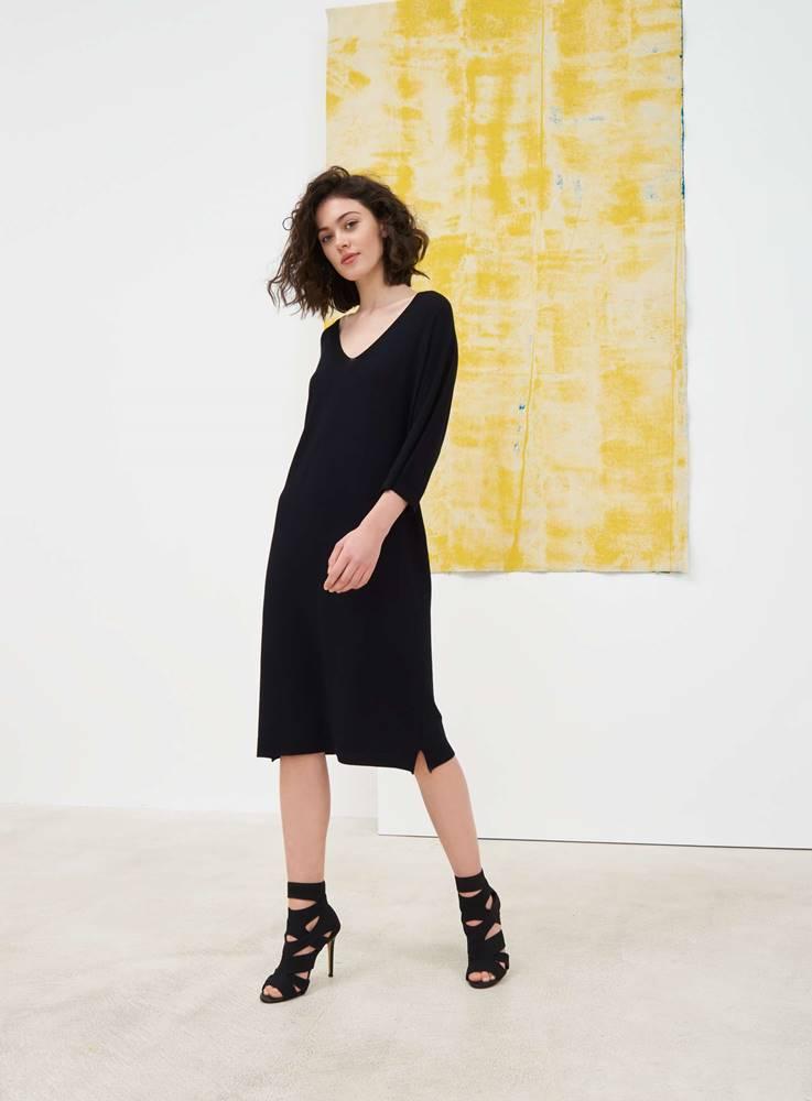 Dámske bezšvové pletené šaty  čierna