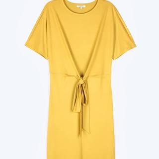 Pohodlné šaty s uzlom